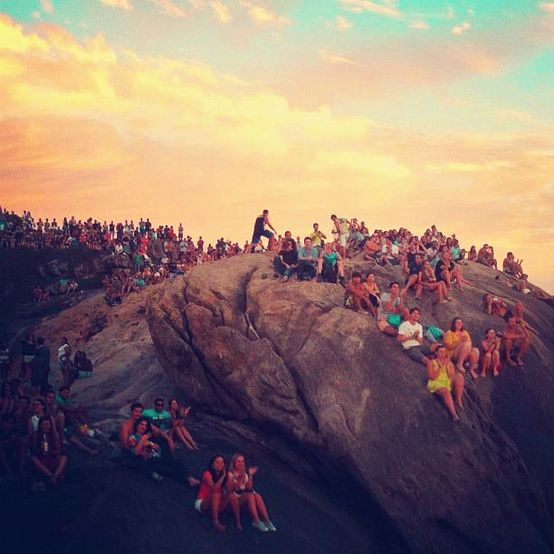 de6ae9fa3e02 Pôr dor Sol na Pedra do Arpoador — RJ #Sunset | The World Is My ...