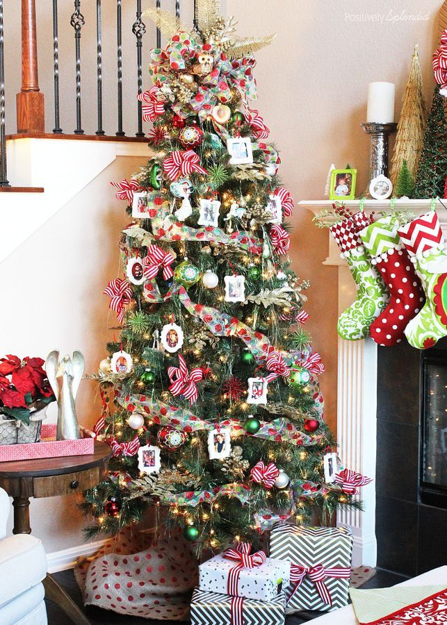 Decorate The Tree With Photographs For A Christmas Themed