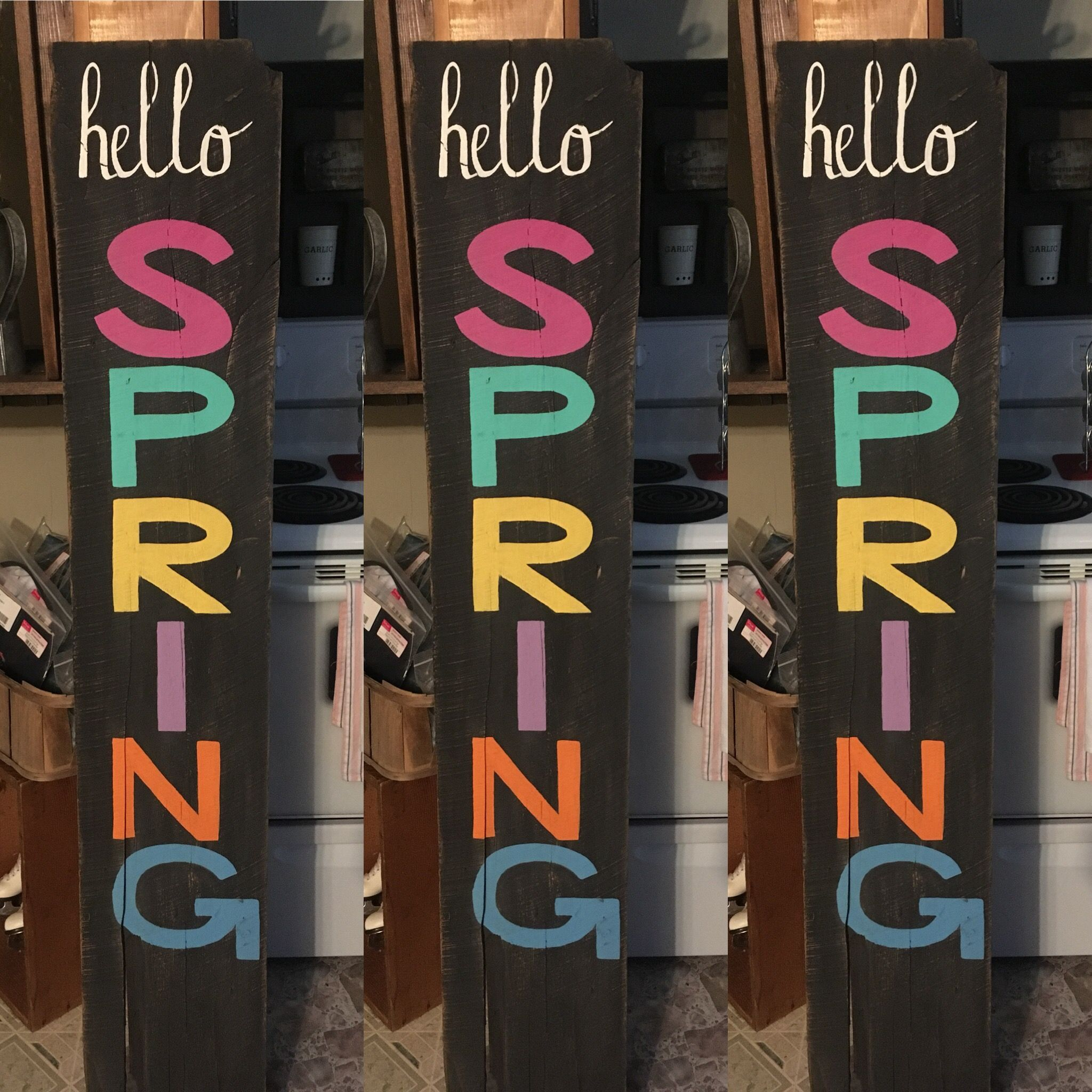 New painted board for my Spring decor!