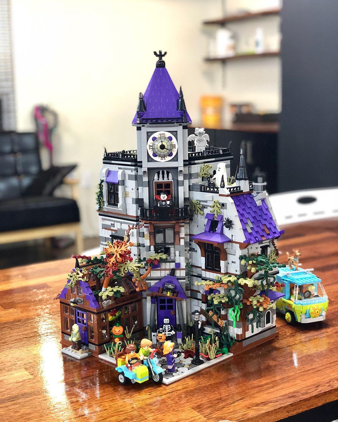 31 Raleigh Halloween House Lego Halloween Lego Haunted House Disney Lego Sets