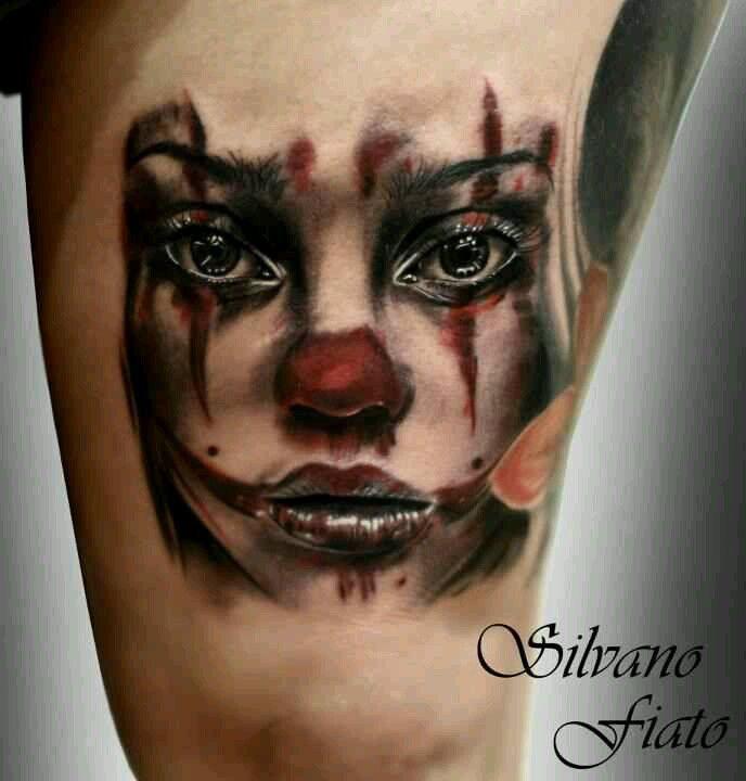 Clown Girl Tattoo Meaning: Female Gore Clown Tattoo (mit Bildern)