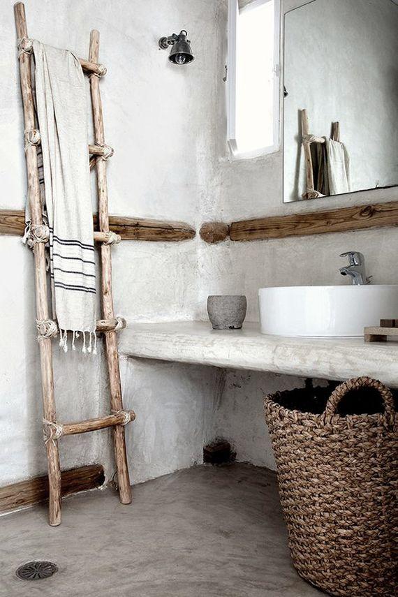 toallero escalera hecho con ramas