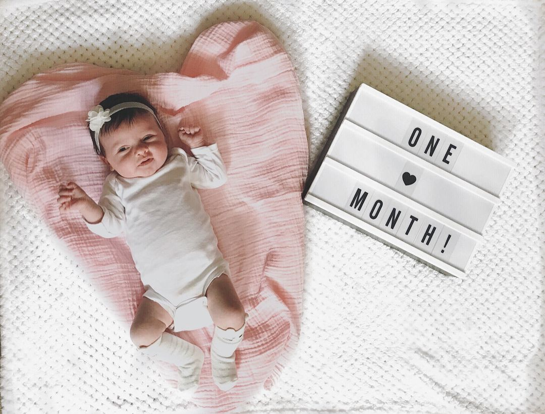 One Month Old Baby Girl Picture Onemonthold Babypictureideas Newborn Babygirl Monthly Baby Pictures One Month Old Baby One Month Baby
