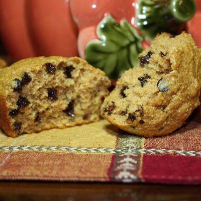 Pumpkin Chocolate Chip Muffins  Mmmm autumn foods <3