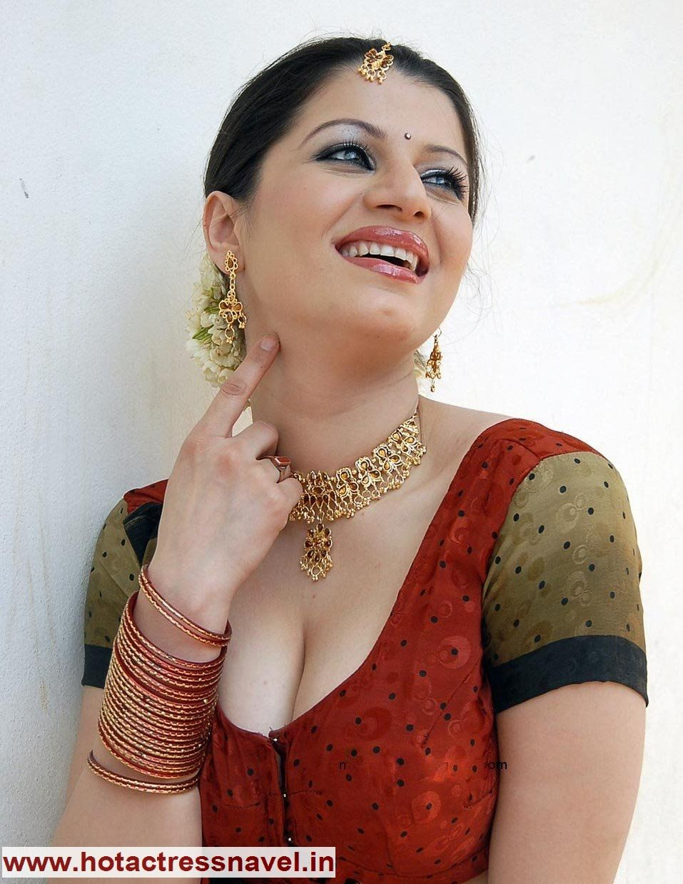 www.hotactressnavel.in bollywood, telugu, tamil, malayalam, hindi
