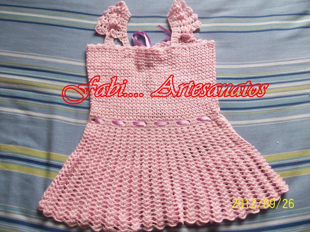 vestido rosa detalhe da frente