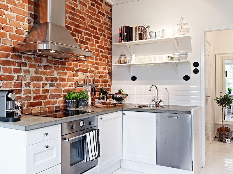 Exceptionnel Pequeño Estudio Decorado En Blanco Con Contrastes Brick Wall Kitchen,  Exposed Brick Kitchen, Exposed