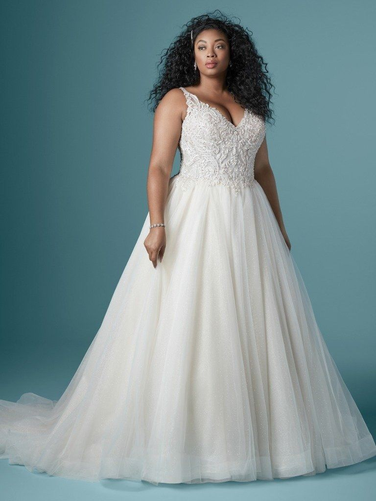Top 10 Plus Size Wedding Dress Designers By Pretty Pear Bride Curvy Wedding Wedding Dress Styles Julietta Wedding Dress