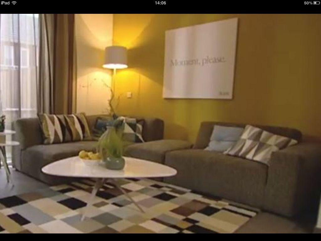 Mosterdgeel muur - Woonkamer x | Pinterest - Mosterdgeel, Muur en ...