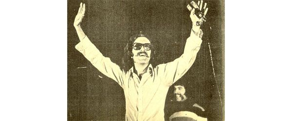 Cem Karaca'yı dokuzuncu ölüm yıl dönümünde özlemle anıyoruz.