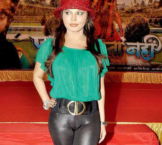 Bollywood Celebrity With Big Camel Toe  Actresses -6042