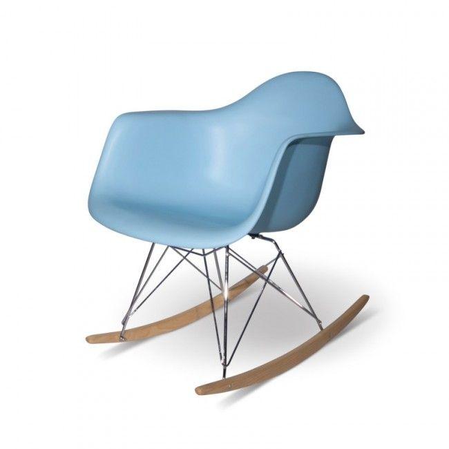 Une Rocking Chair Eames Bleue Toujours En Stock Livraison Rapide Chaise A Bascule Eames Chaise A Bascule Eames