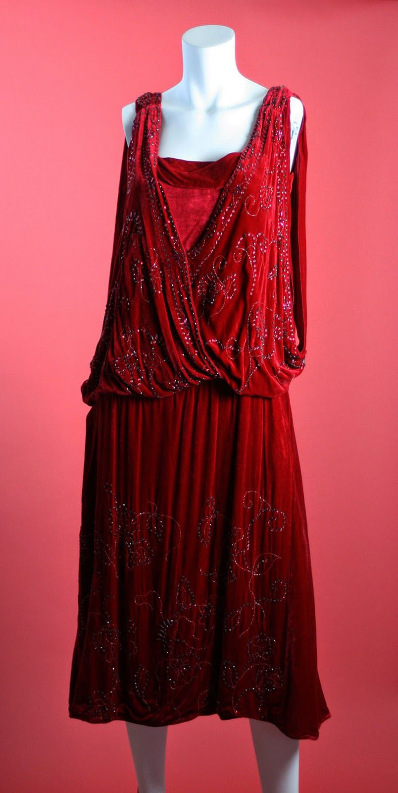 1920 Red Dresses