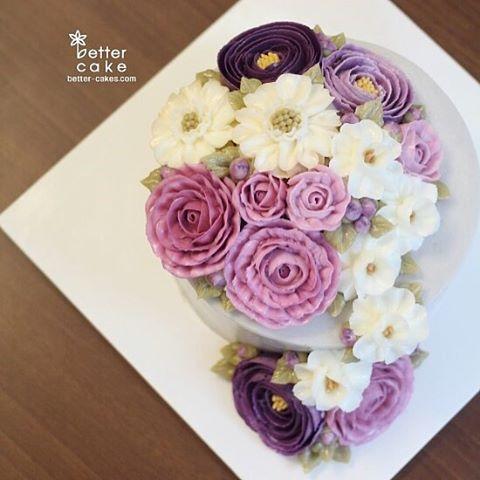 Done by student of Better class (베러 정규클래스/Regular class) www.better-cakes.com  #buttercream#cake#베이킹#baking#rose#like#버터크림케이크#베러케익#yummy#flowers#생일케익#sweet#플라워케이크#foodporn#birthday#wedding#디저트#foodie#dessert#버터크림플라워케익#following#food#piping#beautiful#flowerstagram#instacake#장미#꽃스타그램#베이킹클래스#instafood#