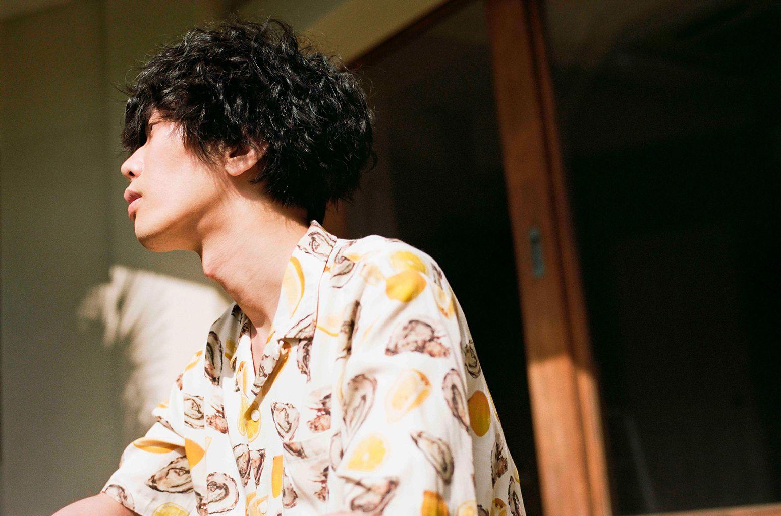 Kenshi Yonezu S Peace Sign Video Becomes His Fifth To Hit 100 Million Youtube Views Kenshi Yonezu Yonezu Kenshi Good Singers