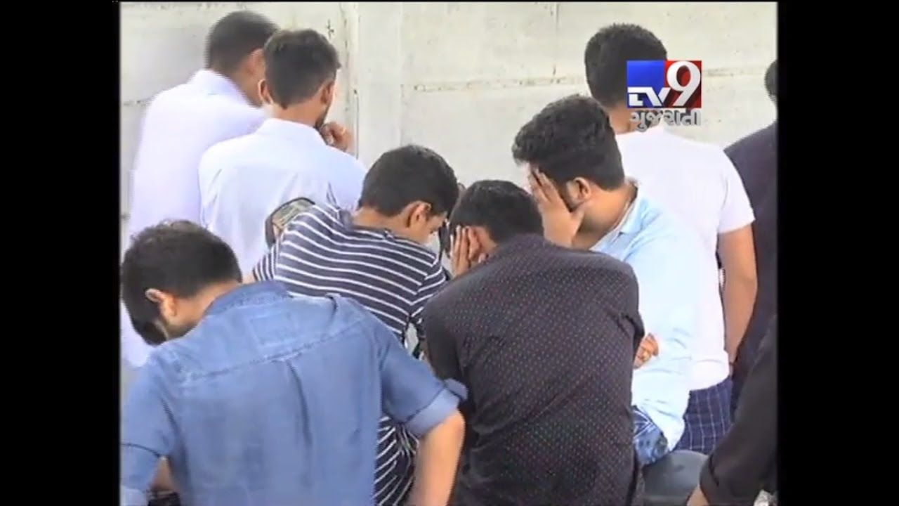 Ahmedabad : 19 arrested for holding liquor party at Farmhouse near Nalsarovar. 16 cellphones and 5 Cars seized.  Subscribe to Tv9 Gujarati https://www.youtube.com/tv9gujarati Like us on Facebook at https://www.facebook.com/tv9gujarati Follow us on Twitter at https://twitter.com/Tv9Gujarati Follow us on Dailymotion at http://www.dailymotion.com/GujaratTV9 Circle us on Google+ : https://plus.google.com/+tv9gujarat Follow us on Pinterest at http://www.pinterest.com/tv9gujarati/