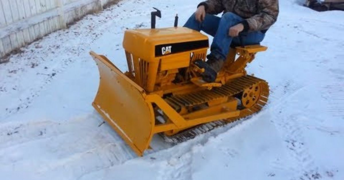 Video Mini Cat Mini Dozer Is The Best Way To Snow Plow