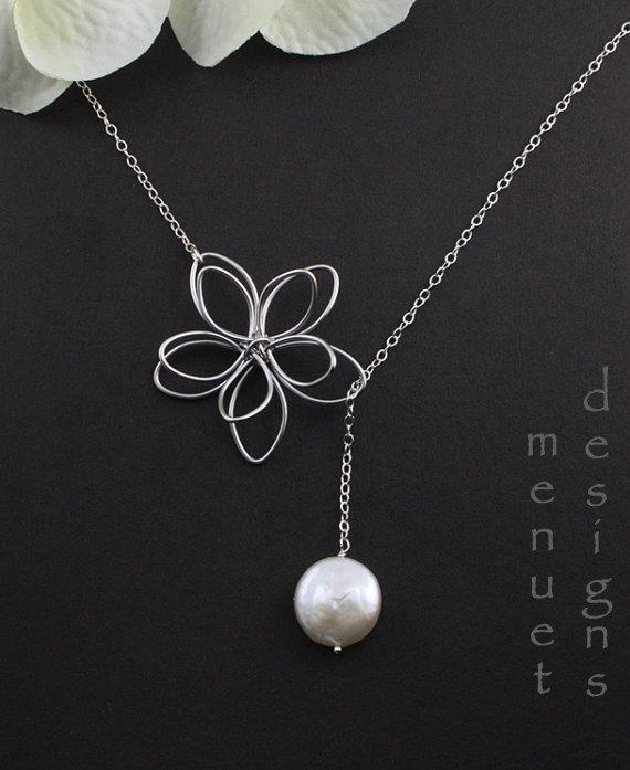 collier de fleurs cadeau de demoiselle dhonneur par. Black Bedroom Furniture Sets. Home Design Ideas