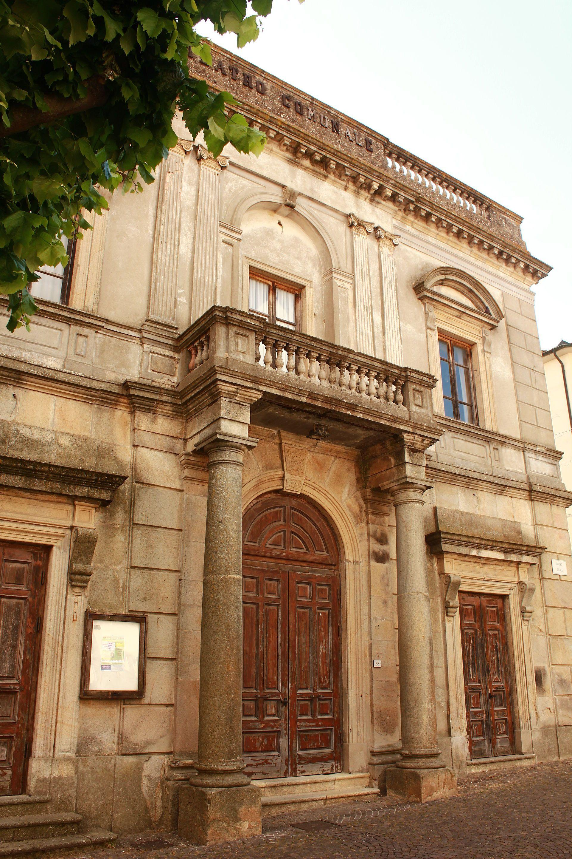 Teatro dei Concordi   Roccastrada   Via Roma   Anno 1872   Capienza 300 posti   Web: http://www.comune.roccastrada.gr.it/cultura/teatro-dei-concordi