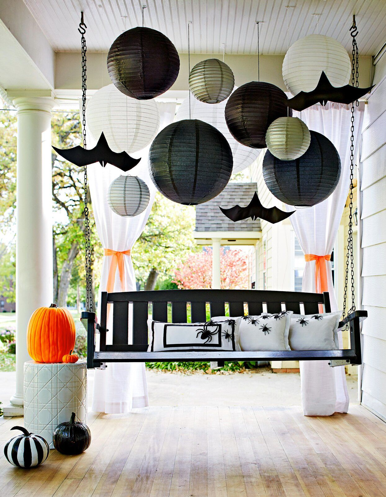 47 Easy Halloween Decorations To Make Right Now In 2020 Halloween Party Themes Backyard Halloween Party Outdoor Halloween Party Decorations
