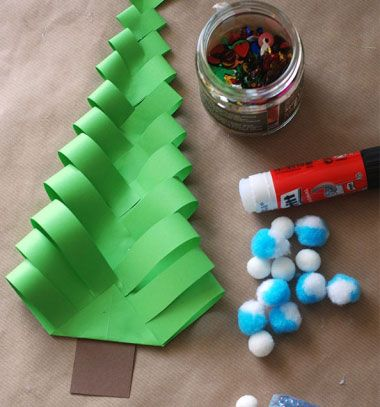DIY wavy paper Christmas trees- easy kids craft |