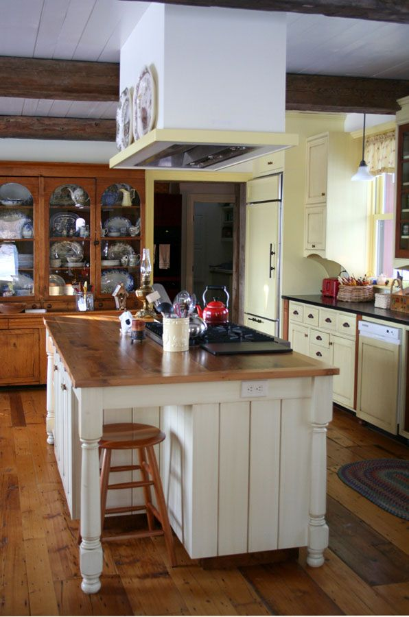 farmhouse island kitchen kitchen island farmhouse style vermont farm house 3692