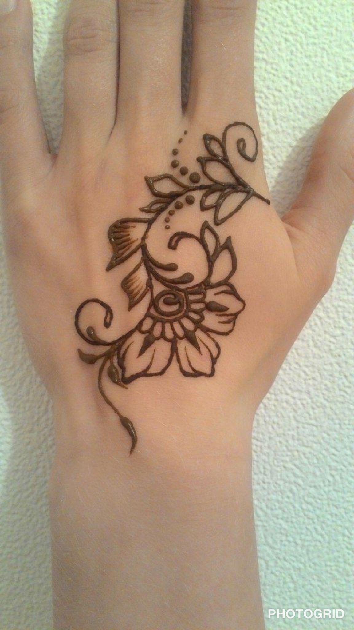 Simple henna design Henna tattoo designs simple, Henna