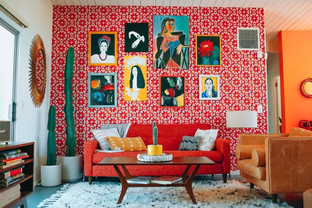 This room is from the home of fashion designer and photographer ...