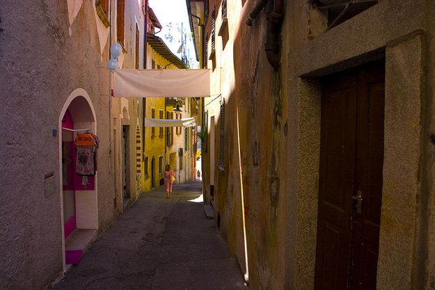 Locarno, Suíça | 32 Enchanting Alleys To Get Lost Down Around The World
