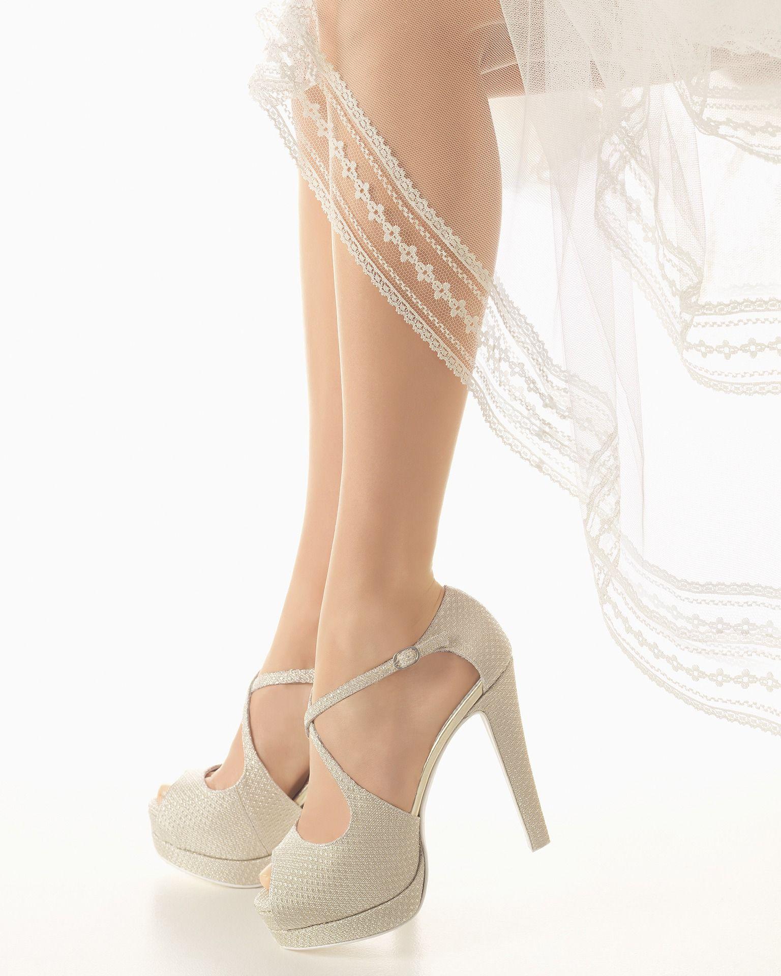 Vestidos de novia y vestidos de fiesta | Zapatos de novia, Rosa ...