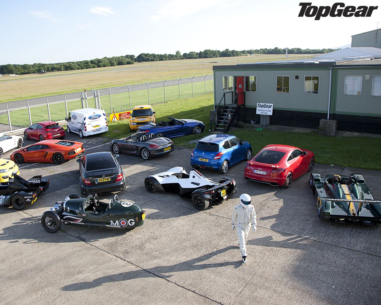 pin by bryon crow on the stig top gear gears super cars