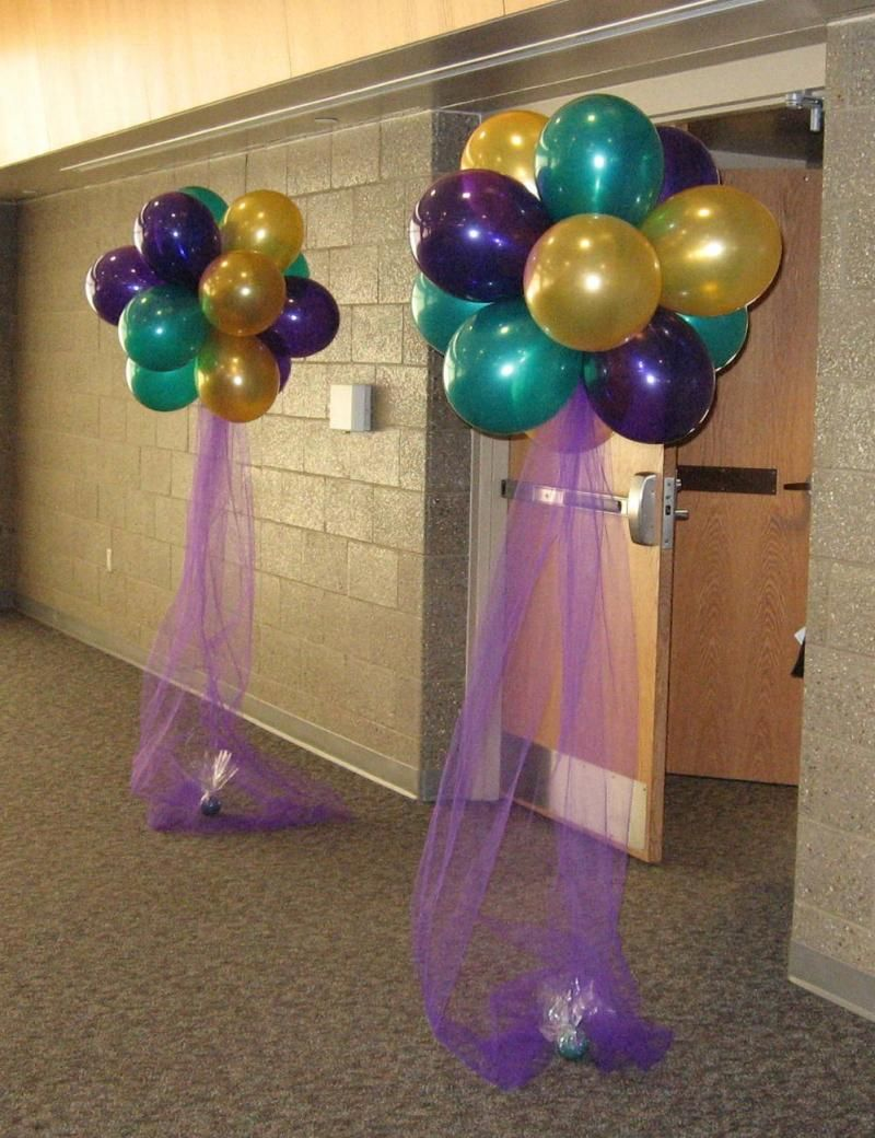 Balloon beautiful balloon clouds wedding shower ideas for Helium balloon decoration