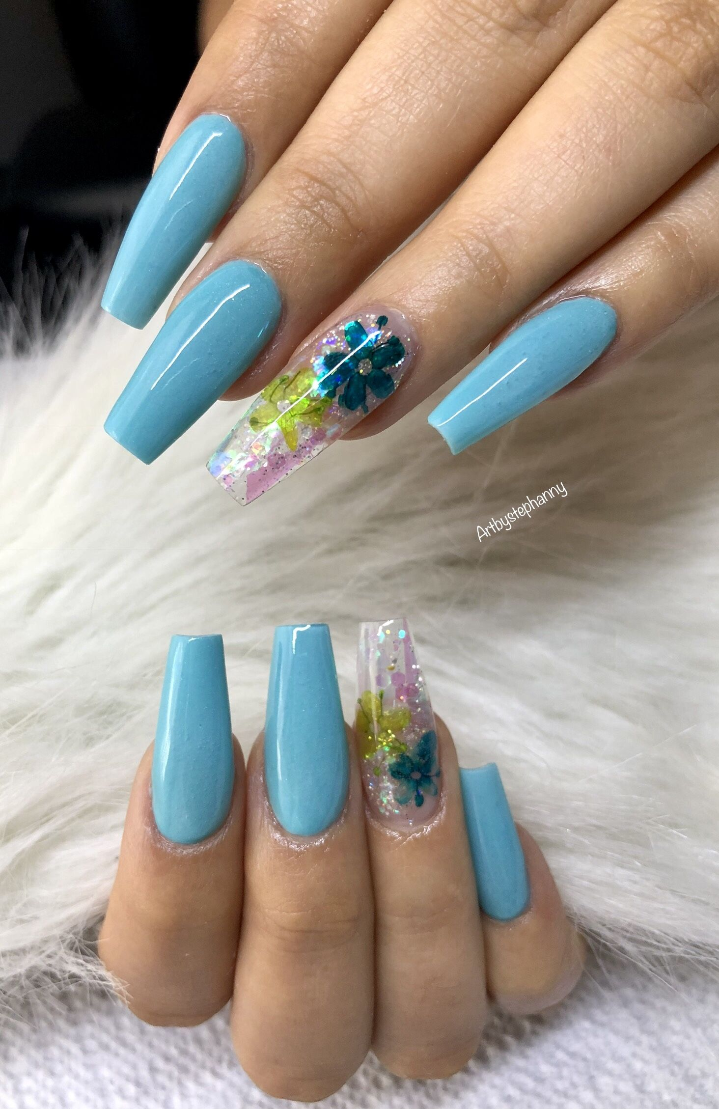 Pretty Blue With Real Flowers Stylish Nails Fake Nails Nails