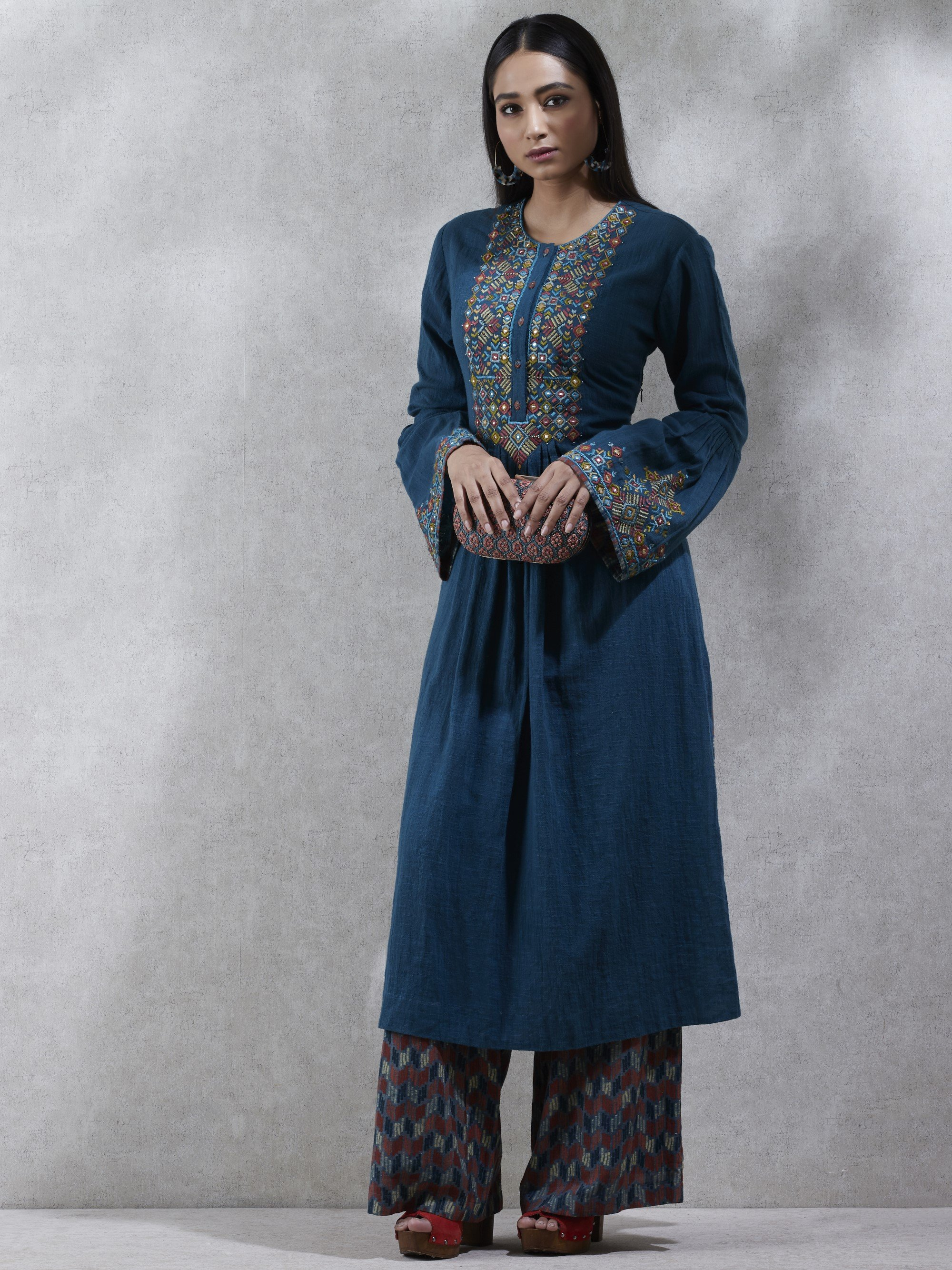 Blue Long Solid Kurta With Trouser