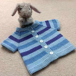 004314287323 Fuss Free Baby cardigan by Louise Tilbrook - free