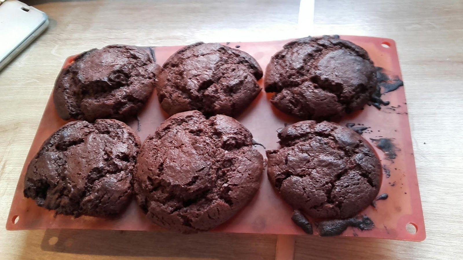 Atelier pâtisserie du week-end Voilà avec le temps qu'il faisait samedi pas envie de bouger , donc les garçons ont décidés d'improviser un...