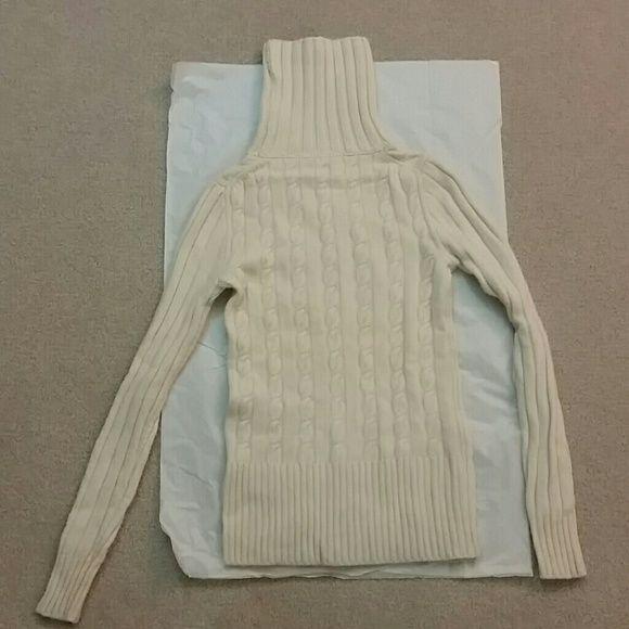 J crew turtleneck sweater White turtle neck sweater. J. Crew Sweaters Cowl & Turtlenecks