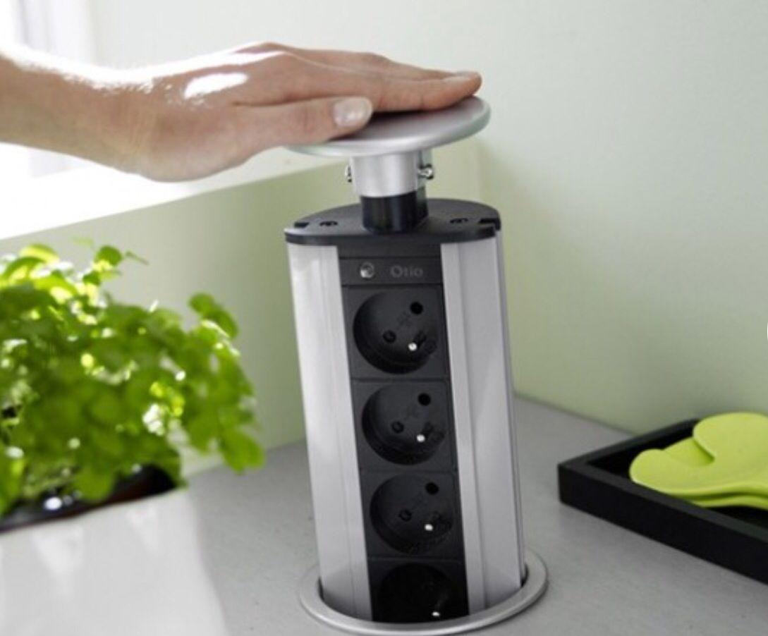 Prise Electrique Qui S Enfonce Dans Le Plan De Travail De La Cuisine Cocinas Pequenas Planos De Cocinas Pisos Nuevos