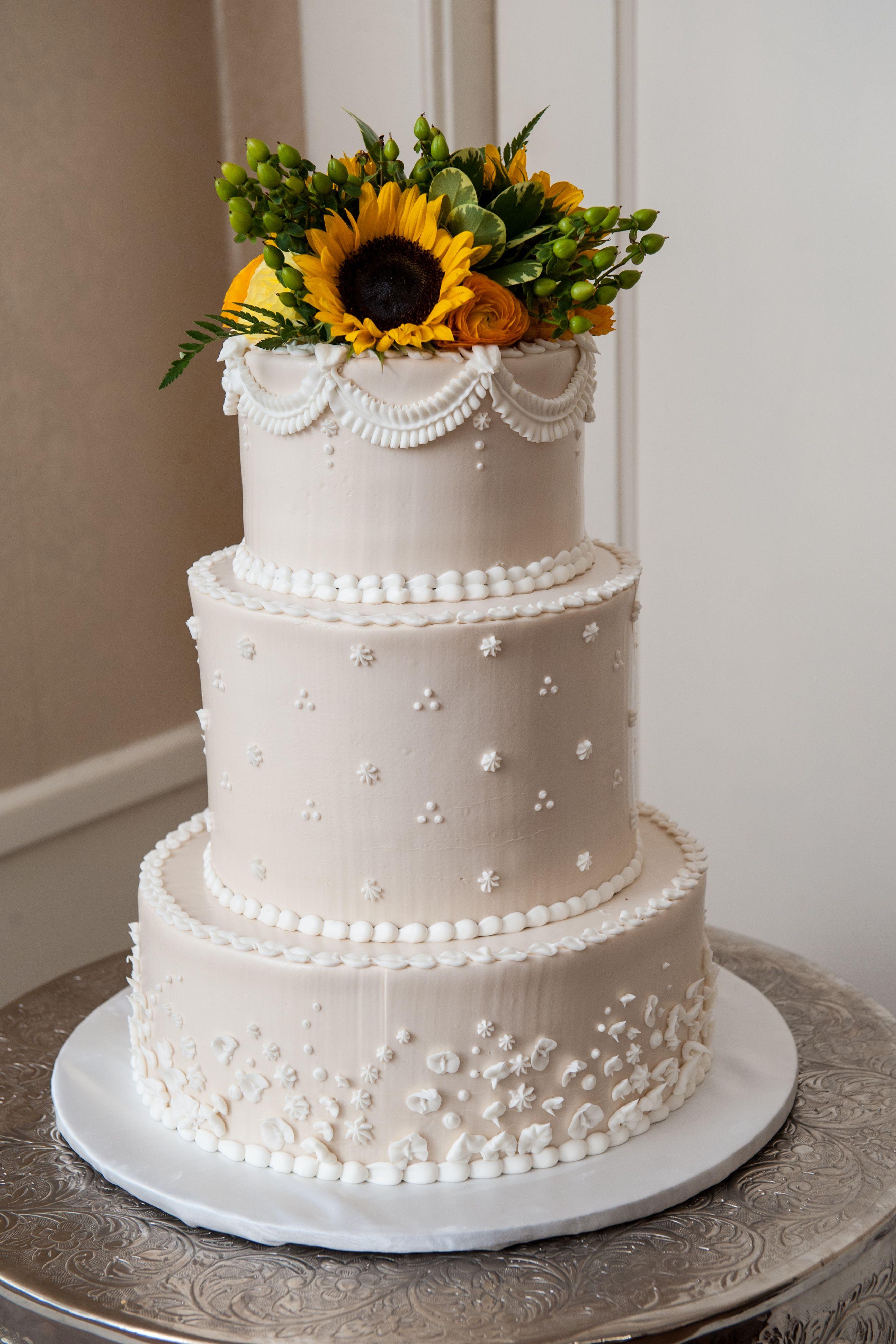 Wedding Cake with Sunflowers Sunflower wedding cake