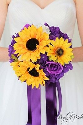 Sunflower wedding flower brides bouquet with sunflowers, white roses and white filler.  Perfect for an outdoor rustic barn theme wedding #purpleweddingflowers