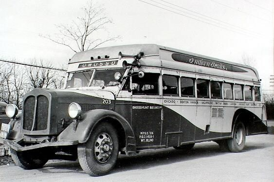 Here S A Throwback Picture Of A 1930 S Style Indian Trails Bus