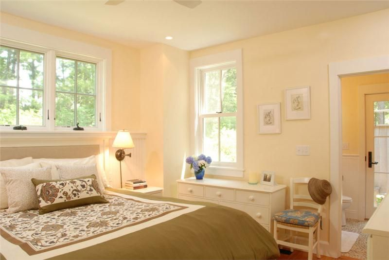 Light Country/Rustic Bedroom by Vani Sayeed on HomePortfolio
