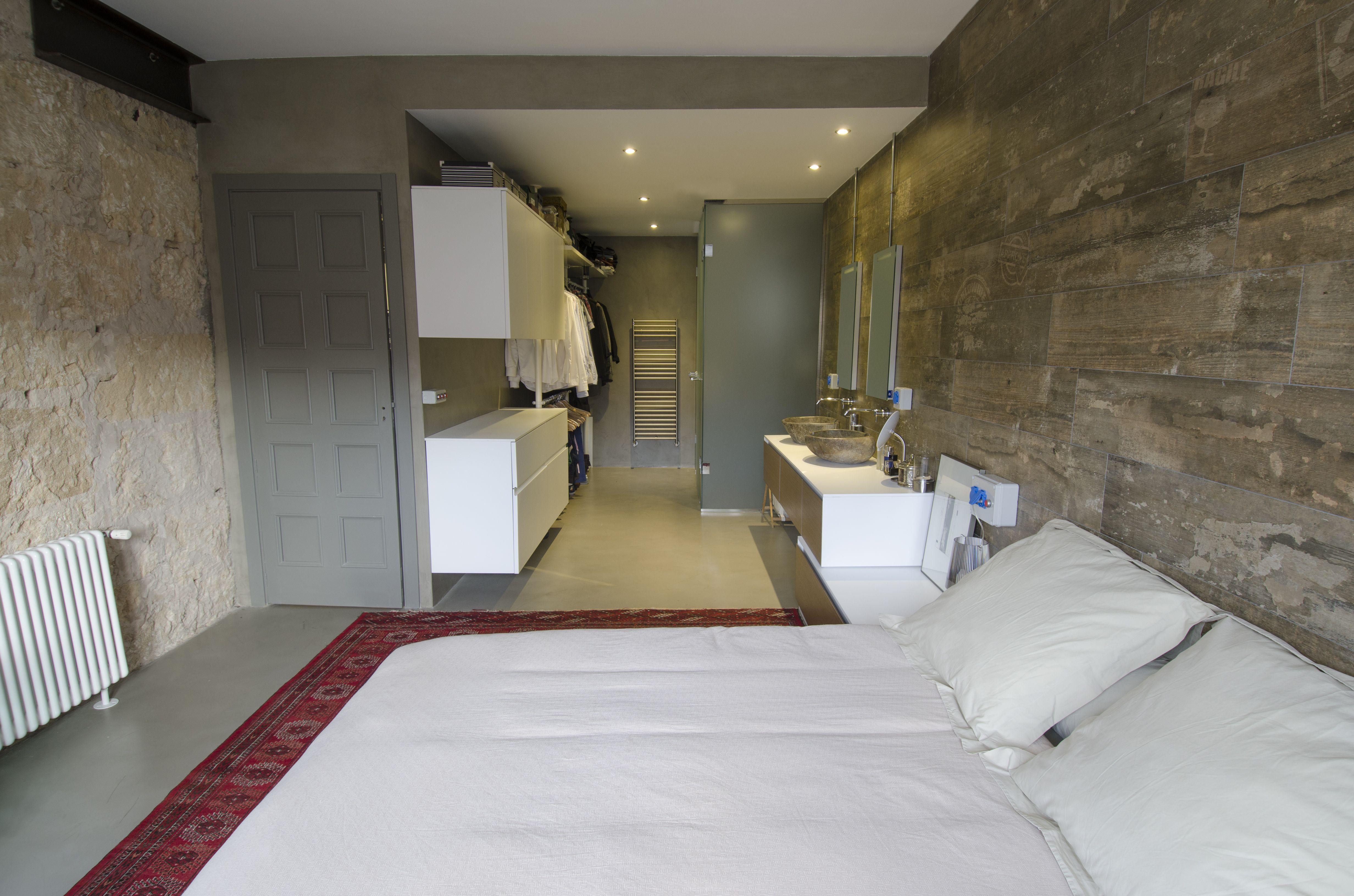 En la habitaci n principal se integra el cuarto de ba o y - Ceramica para banos ...