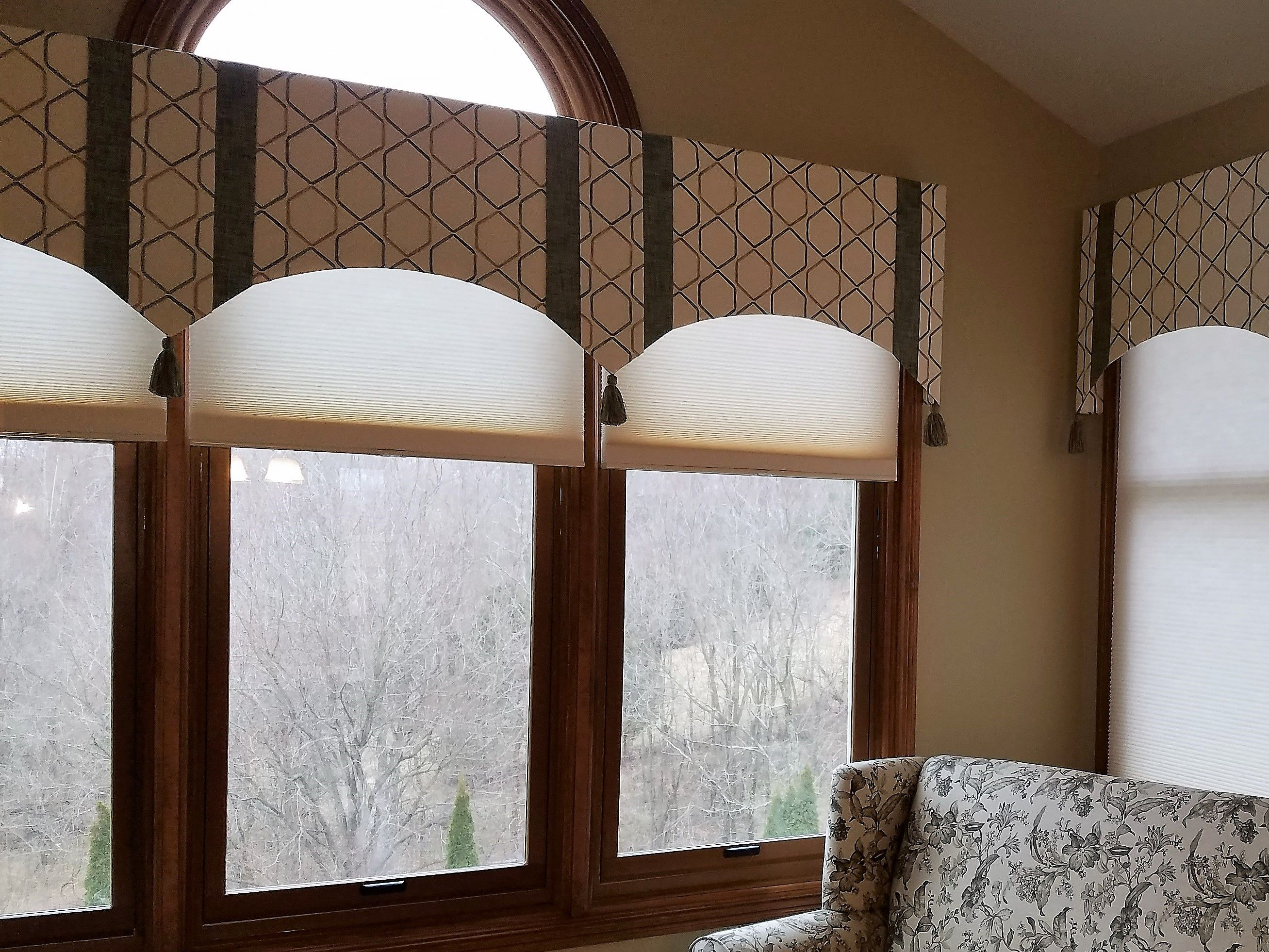 Soft Cornices With Double Layer Pelmets Key Tassels In Sunroom