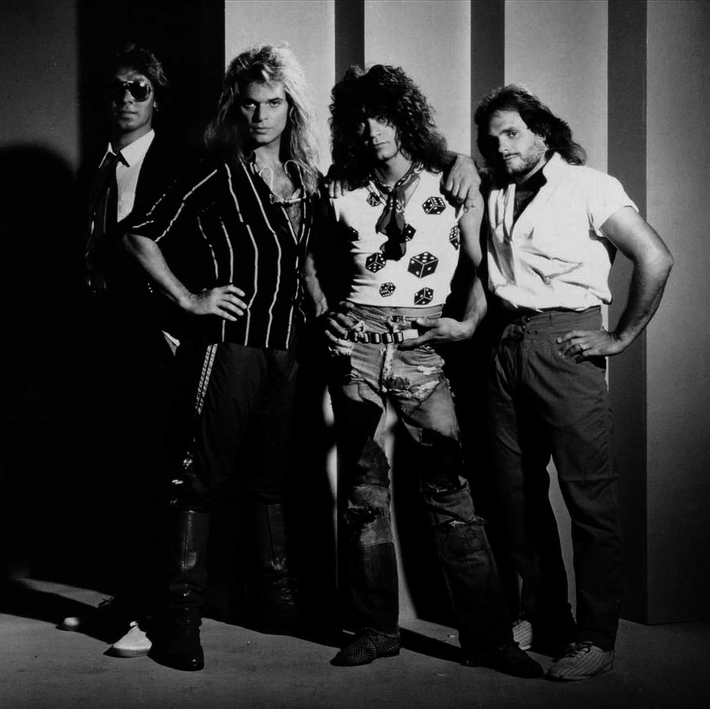 Van Halen S Debut Album Classic Rock Review Album Of The Year For 1978 Http Www Classicrockreview Com 2013 10 197 Van Halen Eddie Van Halen David Lee Roth