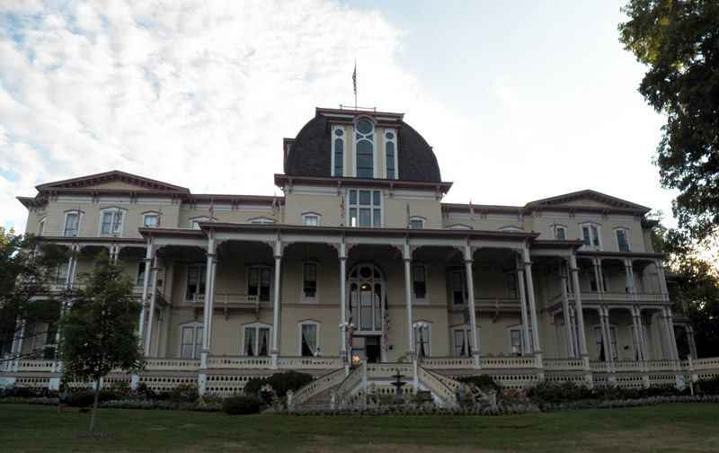 The Athenaeum Hotel Built In 1881 On S Of Lake Chautauqua New York State