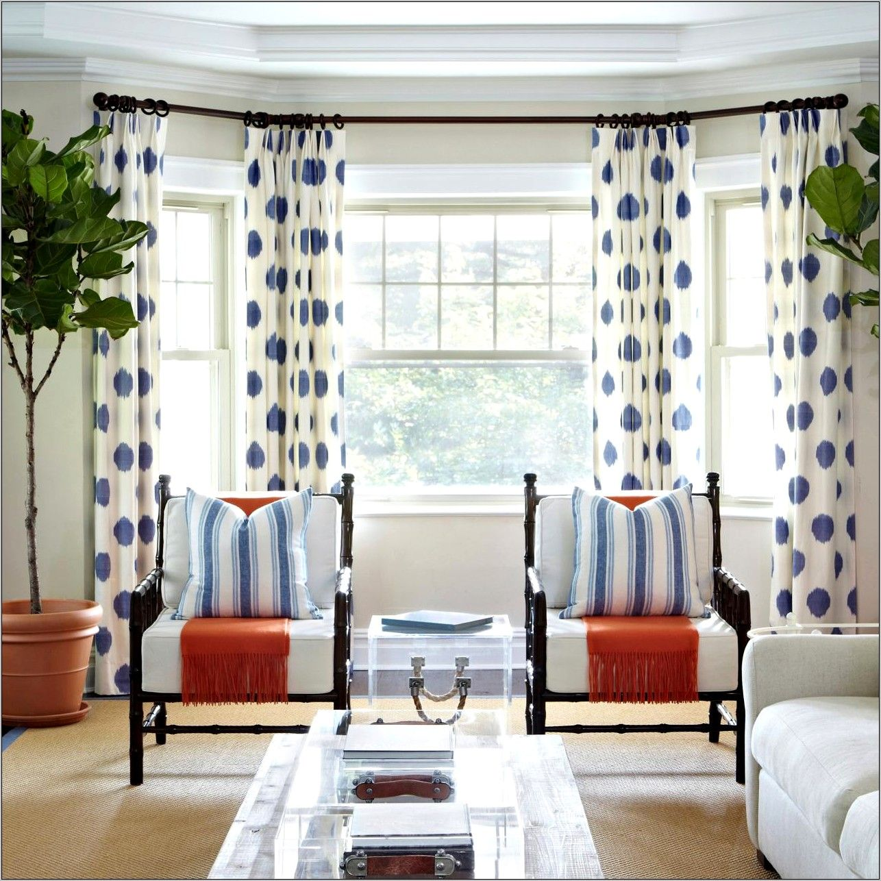 Awesome Curtain Ideas For Bay Window Living Room Eclectic: Decorator Dining Room Wiht Orange Drapes In 2020