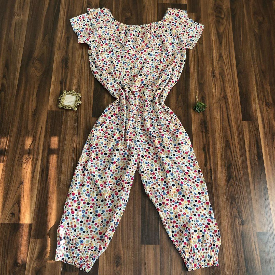 Buy Amazon: amzn.to/31eDJmn Jumpsuit available size :none (fits uk 12 Price : N2000 Brand: none Defe...