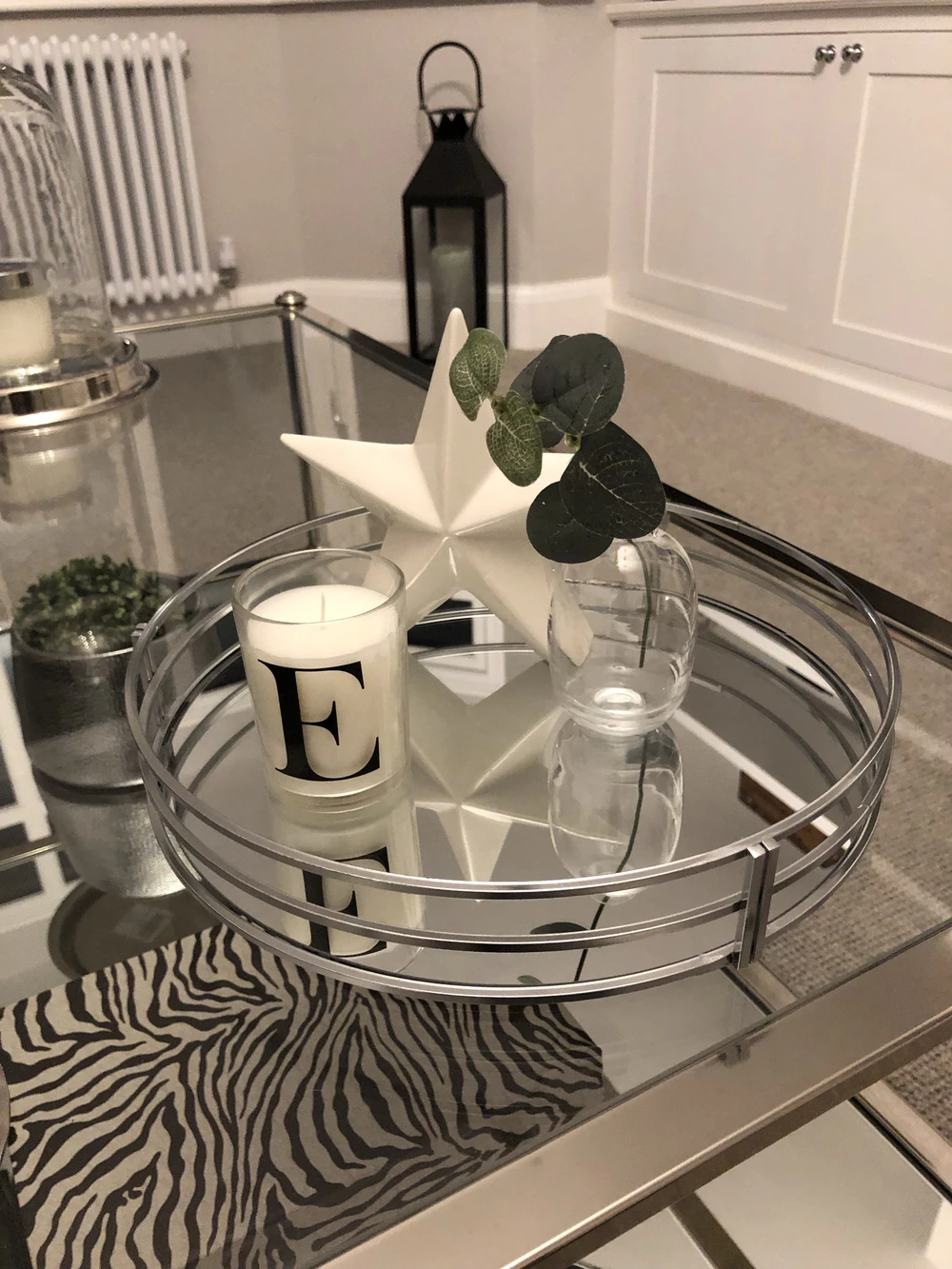 Best Chrome Round Mirrored Tray In 2020 Decorating Coffee 400 x 300