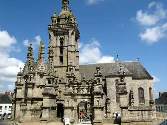 Enclos Paroissial De Saint Th Gonnec Bretagne Glise Calvaire Ossuaire Bretagne Tourisme En France Les Regions De France